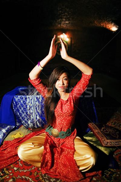 Jeunes joli asian fille lumineuses Photo stock © iordani