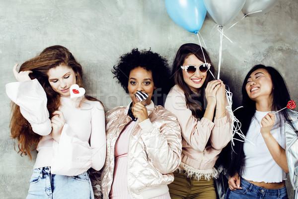 Lifestyle mensen jonge mooie diversiteit vrouw Stockfoto © iordani