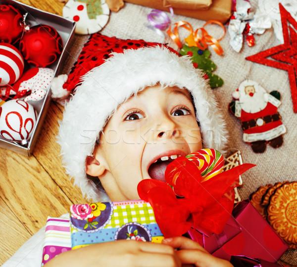 Pequeno bonitinho criança vermelho seis feito à mão Foto stock © iordani