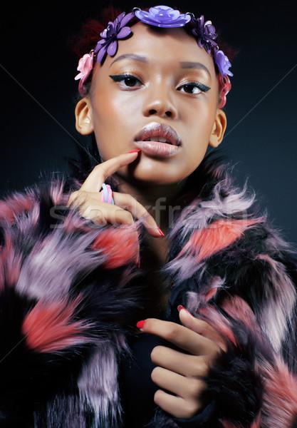 Сток-фото: молодые · довольно · афроамериканец · женщину · шуба · цветы