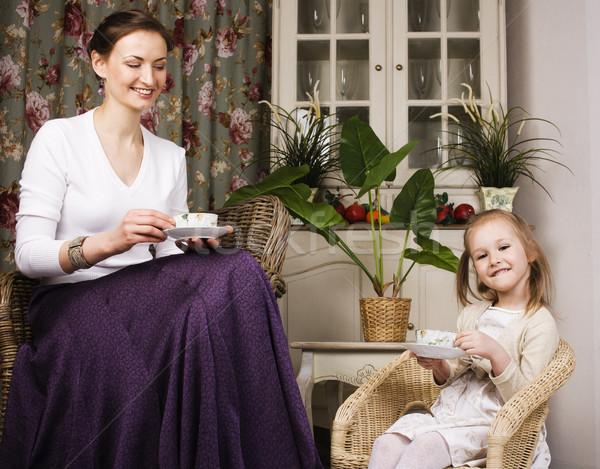 Genç anne kız lüks ev iç Stok fotoğraf © iordani