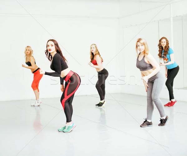 Femmes sport gymnase santé mode de vie personnes Photo stock © iordani