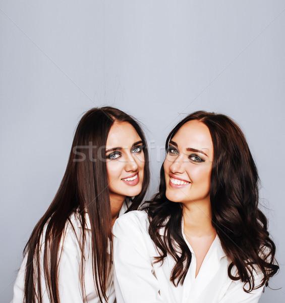 Iki ikizler poz fotoğraf Stok fotoğraf © iordani