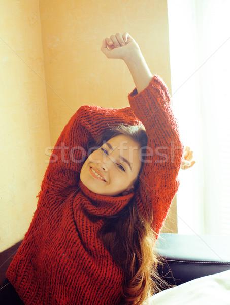Młodych dość real kobieta czerwony sweter Zdjęcia stock © iordani