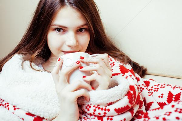 Jóvenes bastante morena nina Navidad ornamento Foto stock © iordani