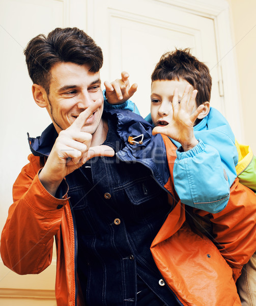 Jonge knap vader zoon rond home lifestyle Stockfoto © iordani