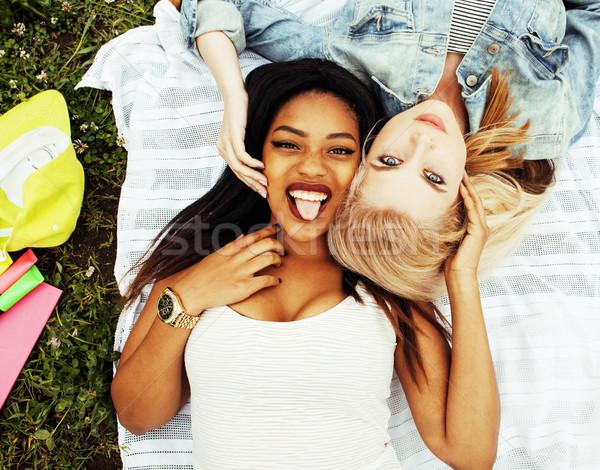 Dwa młodych dość nastolatek dziewcząt Zdjęcia stock © iordani