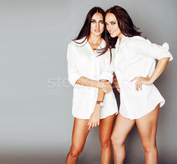Deux soeurs posant photo Photo stock © iordani