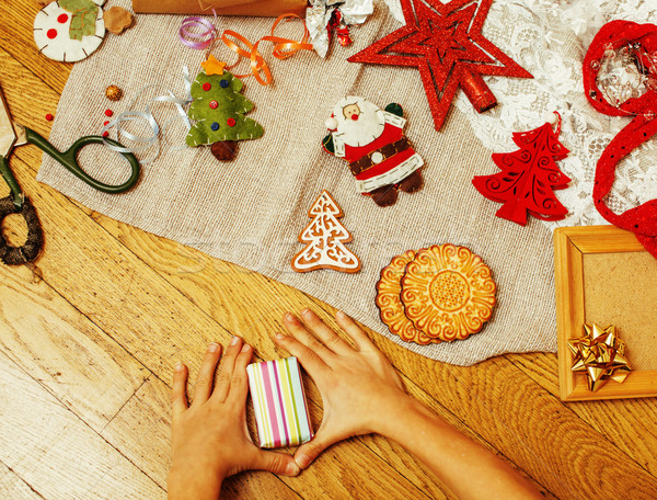 Stockfoto: Handgemaakt · geschenken · schaar · lint · papier · platteland