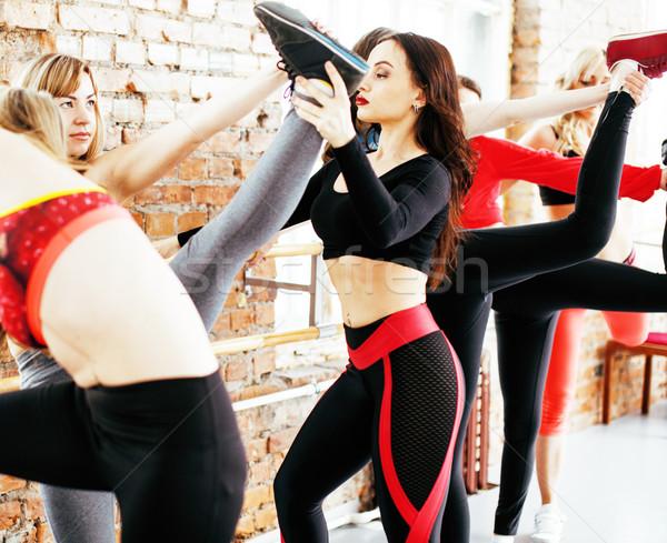 Kobiet sportu siłowni skoki opieki zdrowotnej życia Zdjęcia stock © iordani