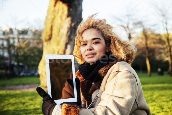 Jonge cute blond afro-amerikaanse meisje student Stockfoto © iordani