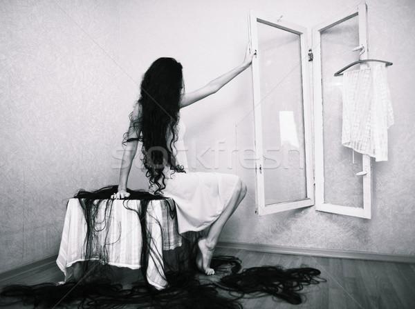 Bellezza ragazza capelli vuota stanza halloween Foto d'archivio © iordani