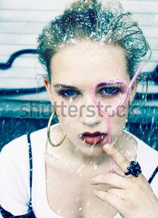 Jungen ziemlich Party Mädchen lächelnd bedeckt Stock foto © iordani