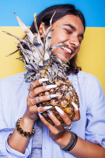 Stockfoto: Lifestyle · mensen · jonge · mooie · glimlachend · indian