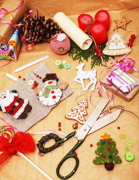 Wykonany ręcznie christmas prezenty bałagan zabawki świece Zdjęcia stock © iordani