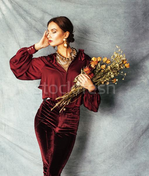 Piękna bogate brunetka kobieta luksusowe wnętrza Zdjęcia stock © iordani