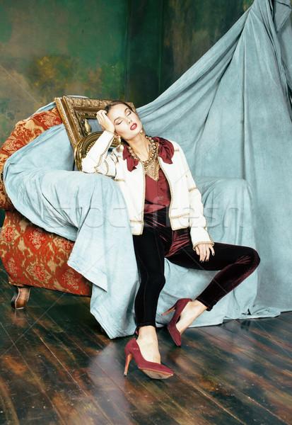 Szépség gazdag barna hajú nő luxus belső Stock fotó © iordani
