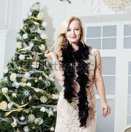 Jonge mooie brunette meisje mode jurk Stockfoto © iordani