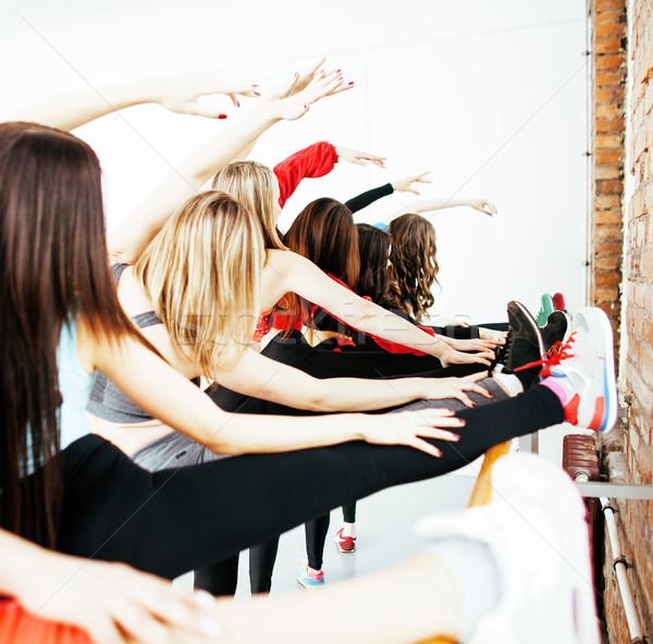 Kadın spor spor salonu atlama sağlık yaşam tarzı Stok fotoğraf © iordani