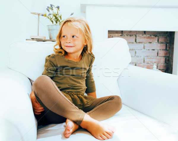 Pequeno bonitinho norueguês menina jogar Foto stock © iordani