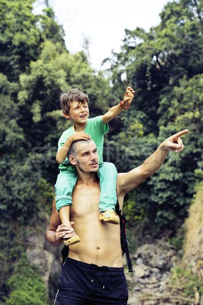 отцом сына поездку водопада вместе счастливая семья Сток-фото © iordani