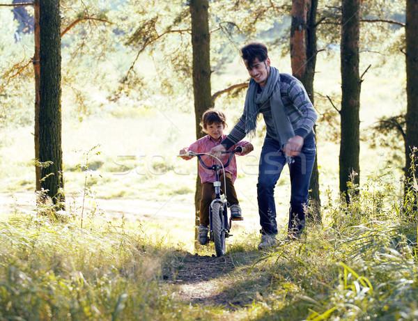 父親 學習 自行車 外 實 商業照片 © iordani
