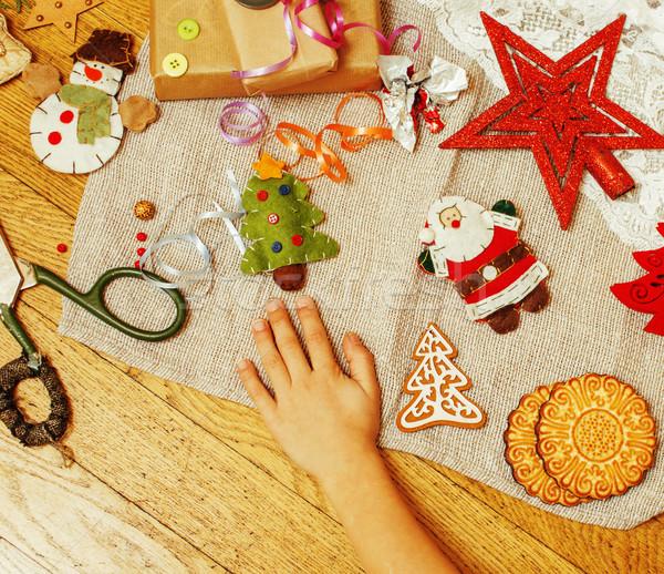 Wykonany ręcznie prezenty nożyczki wstążka papieru Zdjęcia stock © iordani
