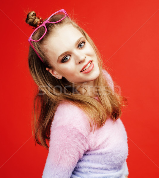 Jonge mooie poseren tienermeisje heldere Rood Stockfoto © iordani