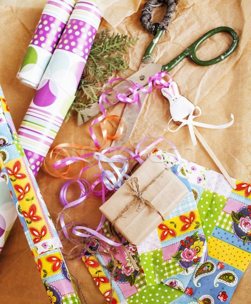 Kézzel készített ajándékok olló szalag papír vidék Stock fotó © iordani