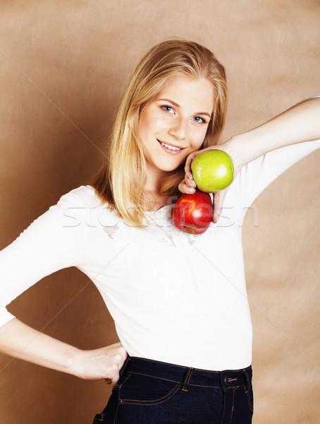 Zdjęcia stock: Młodych · blond · kobieta · zielone · czerwone · jabłko · dobre