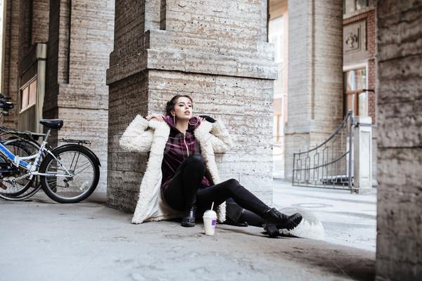 Stok fotoğraf: Genç · güzel · şık · genç · kız · dışında · şehir · sokak