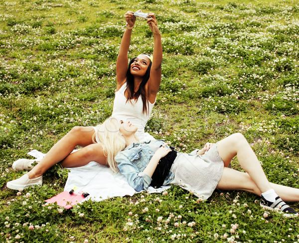 два молодые довольно подростку девочек Лучшие друзья Сток-фото © iordani