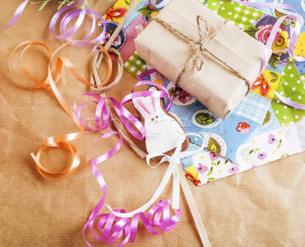 Lucrat manual Crăciun Cadouri dezordine jucării lumânări Imagine de stoc © iordani