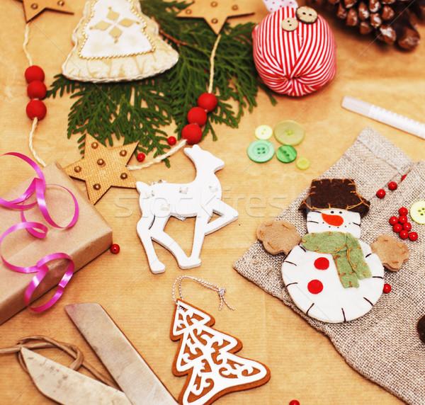 El yapımı hediyeler makas şerit kâğıt Stok fotoğraf © iordani