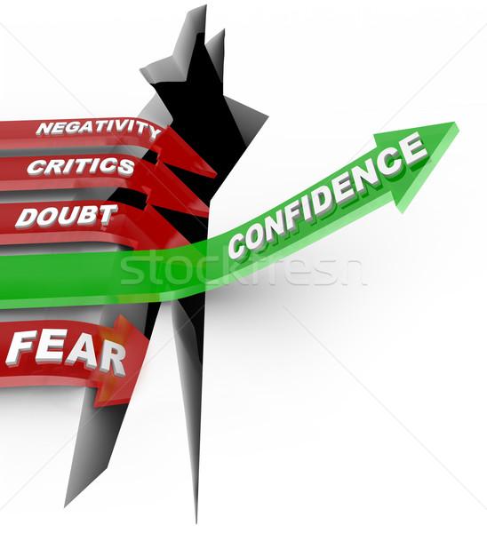 Vertrouwen jezelf luisteren negatieve groene pijl Stockfoto © iqoncept