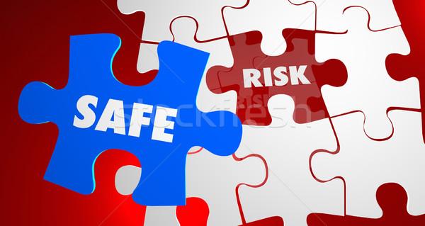 Kockázat vs széf veszélyes biztonság puzzle Stock fotó © iqoncept