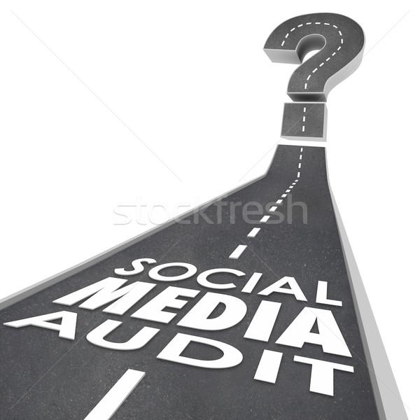 ソーシャルメディア 監査 単語 道路 モニター 測定 ストックフォト © iqoncept
