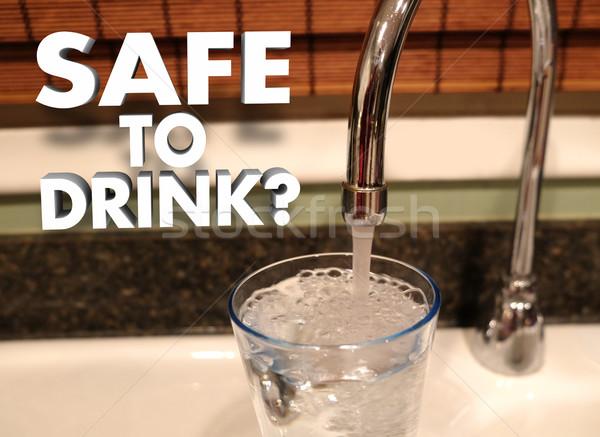 Széf ital vízcsap áramló víz üveg Stock fotó © iqoncept