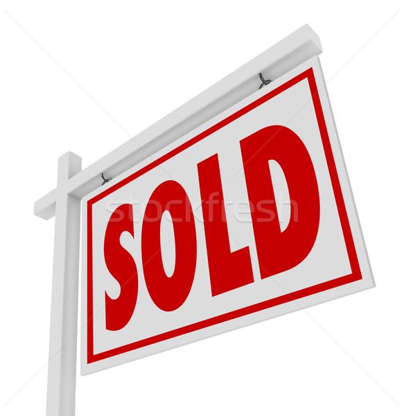 Sprzedany sprzedaży domu nieruchomości podpisania zamknięte Zdjęcia stock © iqoncept