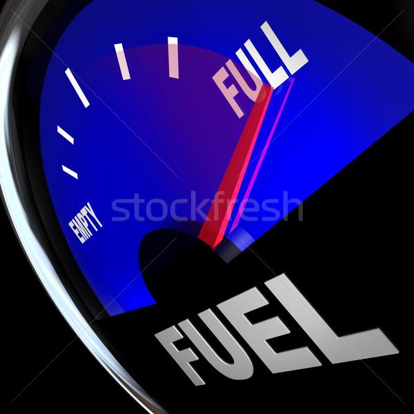 Foto stock: Indicador · de · combustible · aguja · puntos · completo · gas · tanque