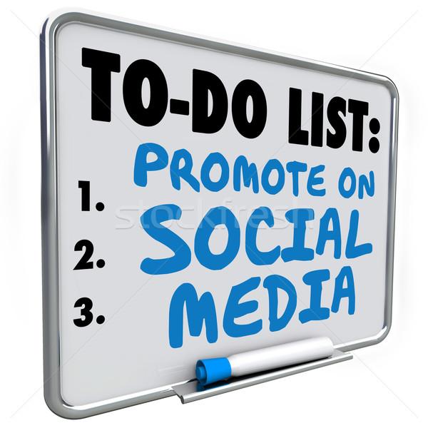 Social Media Liste zu tun Nachricht Bord Worte geschrieben Stock foto © iqoncept