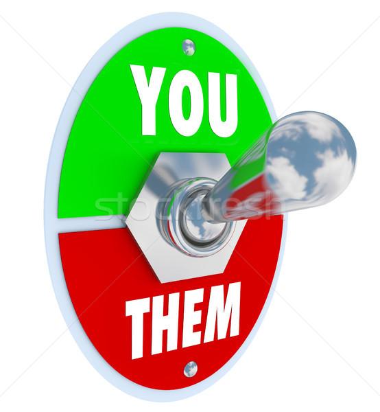 Vs cambiar competencia metal placa lectura Foto stock © iqoncept