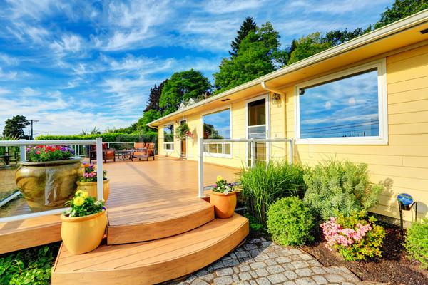 дом снаружи красивой палуба патио таблице набор Сток-фото © iriana88w