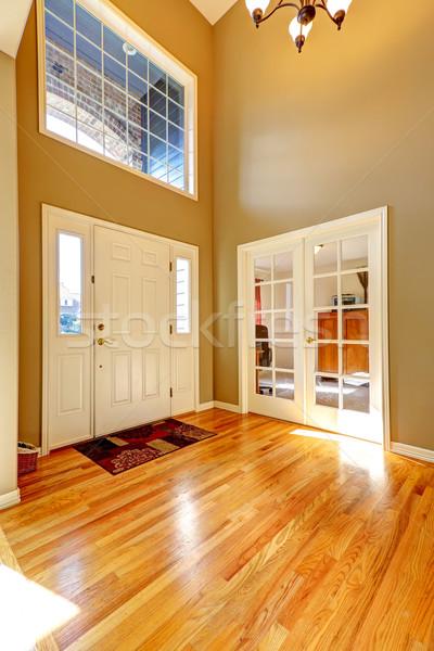 Luxe hoog plafond frans venster Stockfoto © iriana88w