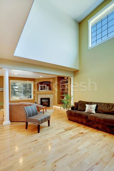 Házbelső magas plafon tágas üres ház Stock fotó © iriana88w