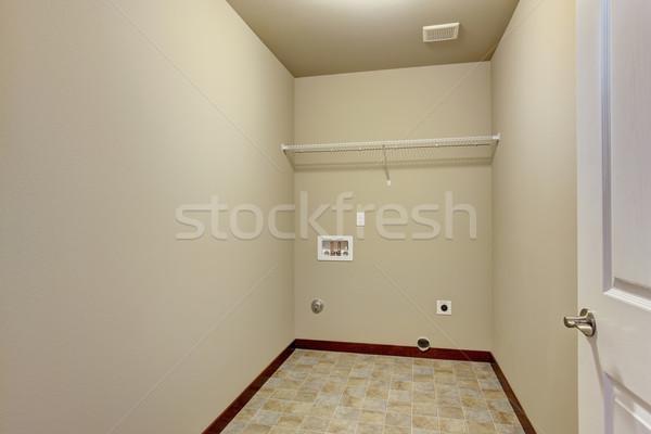 Kicsi bútorozatlan szennyes szoba csempe padló Stock fotó © iriana88w