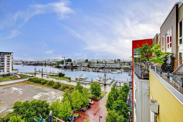 Görmek balkon modern bina marina modern daire Stok fotoğraf © iriana88w