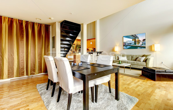 Jadalnia wnętrza nowoczesne miasta apartamentu wysoki Zdjęcia stock © iriana88w