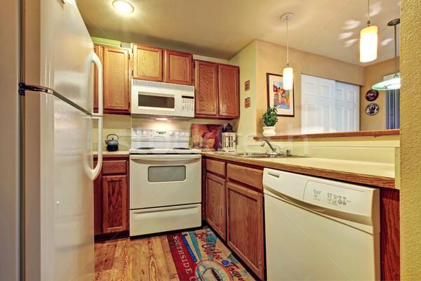 Сток-фото: небольшой · простой · кухне · комнату · белый · старые