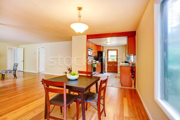Lege kamer eettafel ingesteld keuken familie Stockfoto © iriana88w